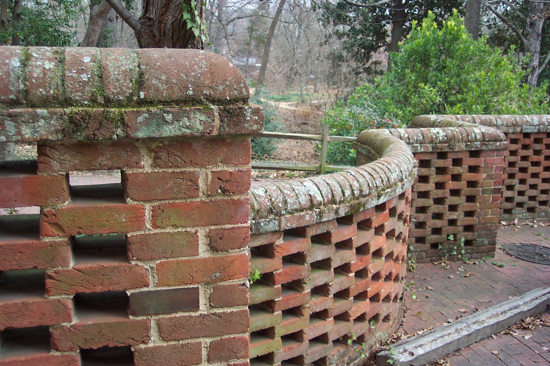 how to build a curved brick wall